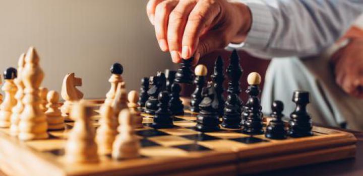 Schachspiel mit strategischem Zug